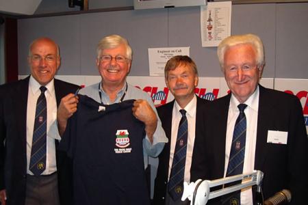 Radio 2CH Live. Bob Rogers Easy Listening Show.