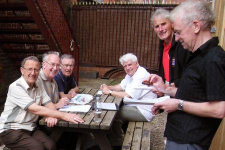 Gren, Bryan, Merfyn, Pete and Brian run through the days work with Owen Roberts