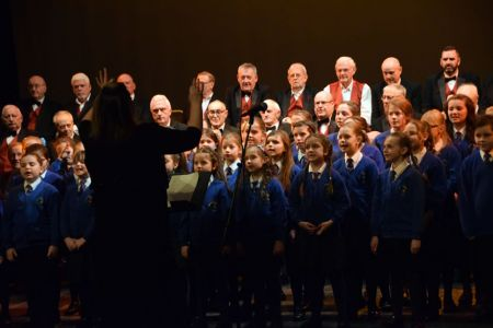 15.Rehearsal with the Huish Primary School Choir for our concert in the Octagon Theatre, Yeovil - 17 Feb