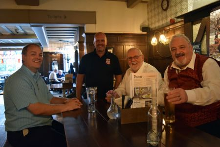 37.David, Mike, Merfyn and Paul relax in the