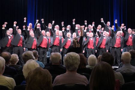 1f. The choir perform oh when the saints for a sell out audience in Strathpeffer pavilion