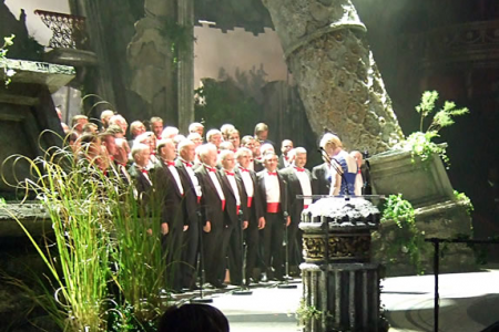 Solo performance of Mae Hen Wlad Fy Nhadau