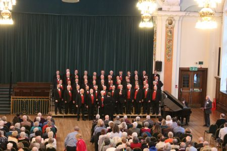 08D. In concert at Stockport town hall 06/04/2019