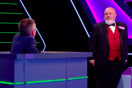 18b. Choir Chairman Roger Williams takes his turn on Tenable with host Warwick Davis.