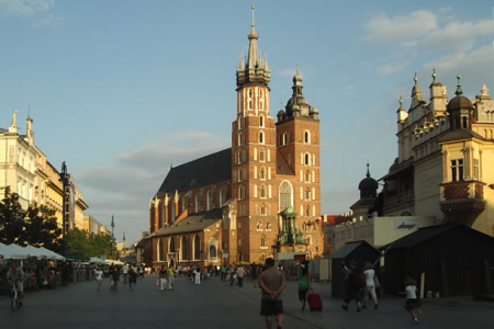 The Mariacki Church in the main square in Krakow and the venue for our Krakow Concert.