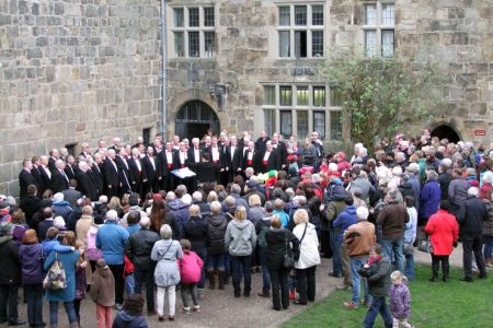 12.The second performance was given in the Castle Courtyard as the wintry hail and rain had changed to wintry sunshine
