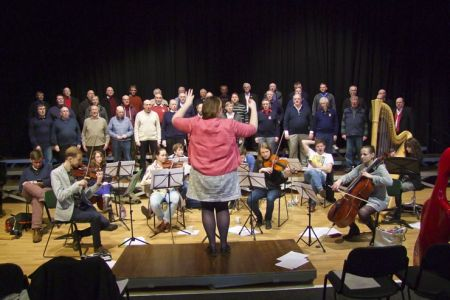 17.Leigh conducting the Choir and Orchestra