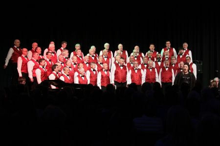 06C. Leigh performs with the choir at the Llangollen Pavilion 17/03/19